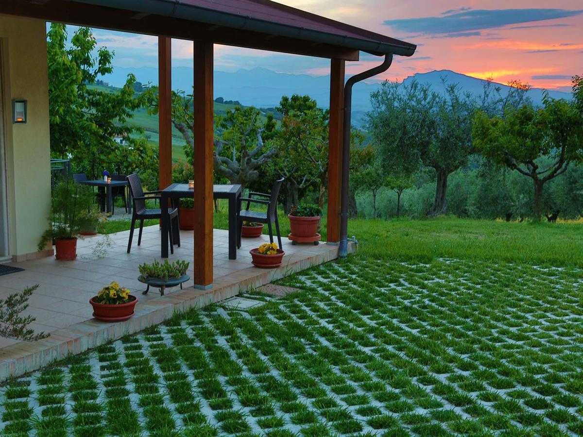 b b verdi colline bed and breakfast controguerra teramo provincia abruzzo affittacamere senza. Black Bedroom Furniture Sets. Home Design Ideas